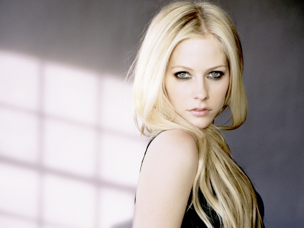 avril lavigne avril lavigne wallpaper 16564287 fanpop
