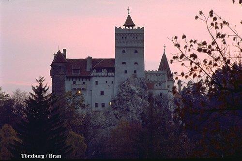 BRAN lâu đài