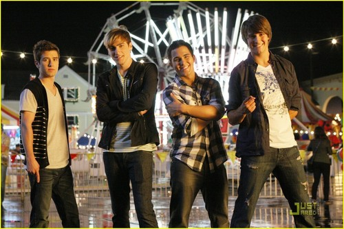 Big Time Rush wallpaper with a street titled Big Time Rush - Carlos Gets a Girlfriend