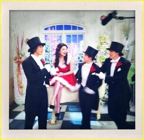 Big Time Rush - Christmas w/ Miranda Cosgrove