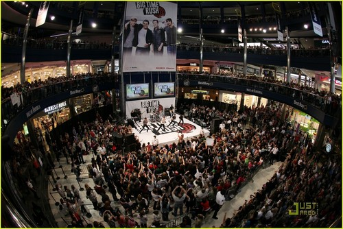 Big Time Rush @ Mall of America