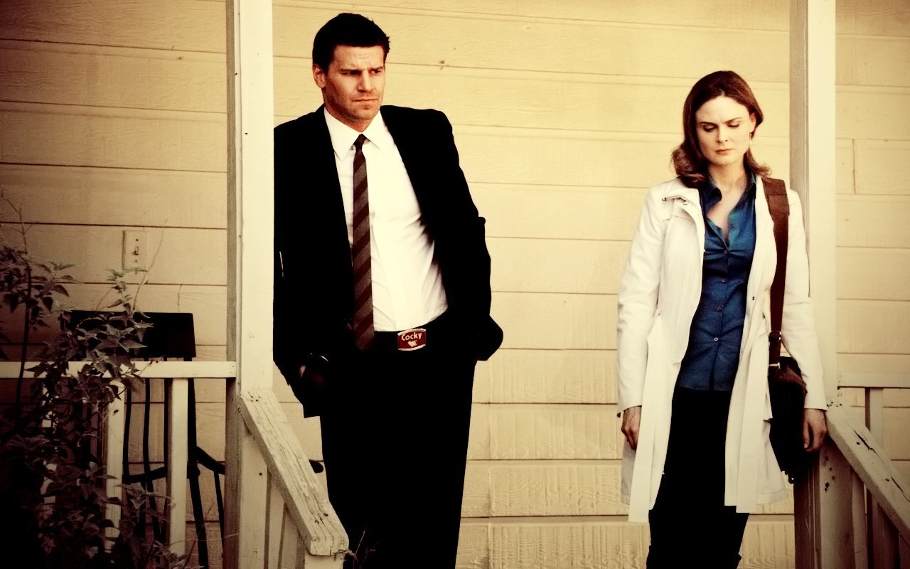 Are booth and bones dating in real life
