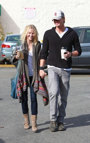 Chad Michael Murray and Kenzie Dalton: Coffee kedai Couple