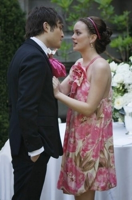 Blair & Chuck wallpaper possibly containing a bridesmaid titled Chuck & Blair - Season 1