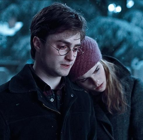 Harry Potter films achtergrond titled DH stills