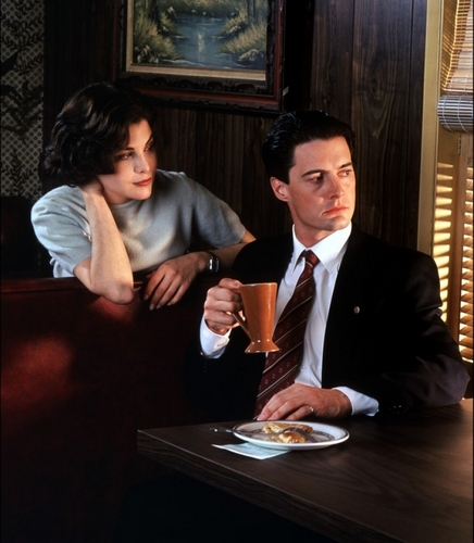 Twin Peaks wallpaper containing a business suit entitled Dale Cooper & Audrey Horne
