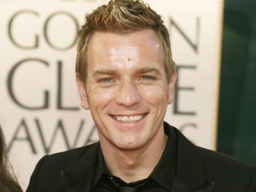 Ewan McGregor वॉलपेपर with a business suit and a portrait titled Ewan McGregor