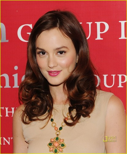 Leighton @ 27th Annual Night of Stars red carpet