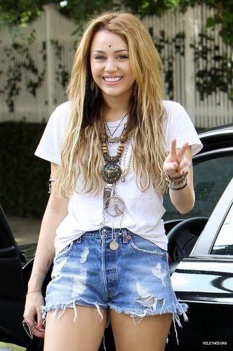 Miley,Candids-October 2010