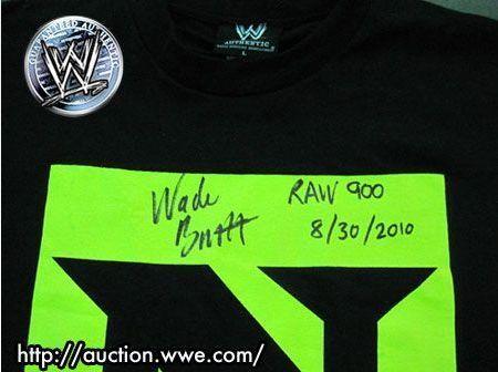 Nexus T-shirt signed da Wade Barrett