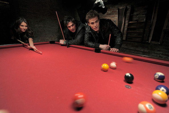 Nina ian and paul playing pool the vampire diaries tv for Pool show tv