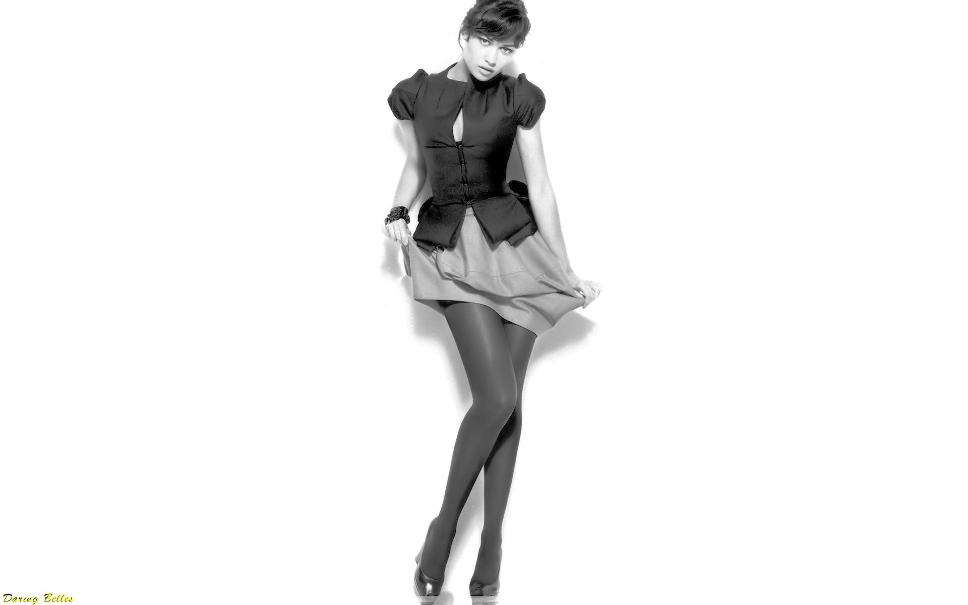 Olga Kurylenko fondo de pantalla