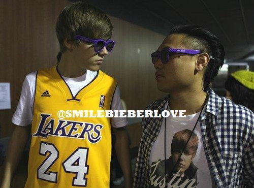 Purple 3D glasses - Justin Bieber 500x370