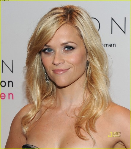 Reese Witherspoon wallpaper with a portrait and attractiveness called Reese Witherspoon: Avon Foundation for Women Gala