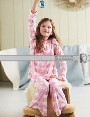 Renesmee in her pyjamas