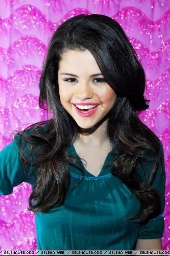 Selena picha