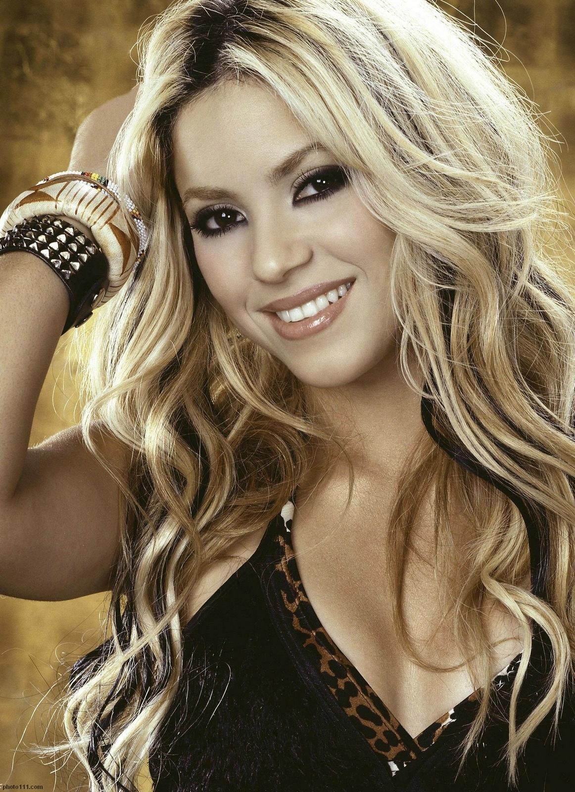 Shakira - Shakira Phot... Shakira