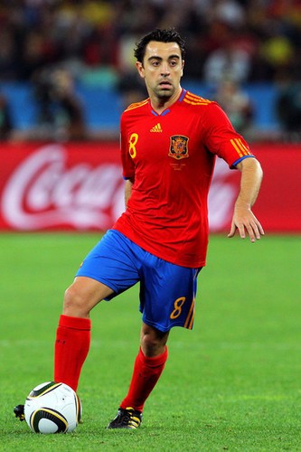 Xavi playing for Spain - xavi-hernandez Photo