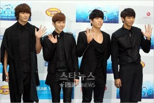 2AM at MNET 20′s Choice