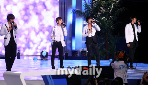 2AM live at MNET 20′s Choice