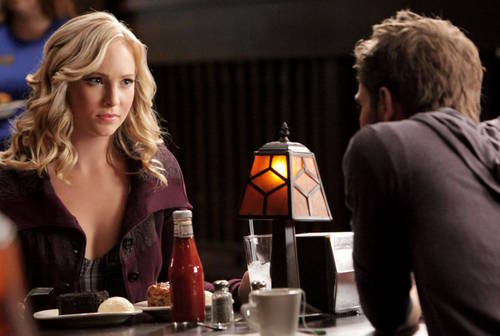 Caroline Forbes 壁紙 probably containing a well dressed person and a ビヤホール, ブラッセリー, ブラッスリー entitled 2x09 Stills - 'Katerina' (HQ)