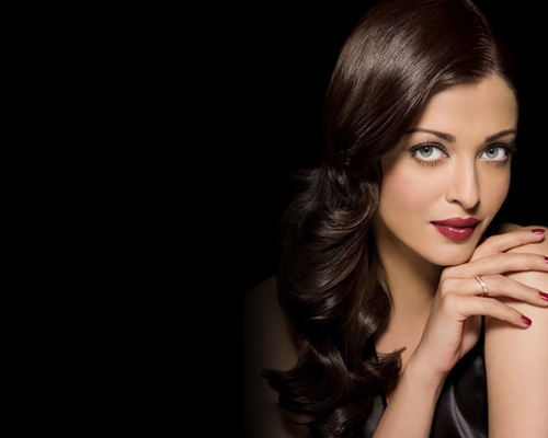 Aishwarya Rai wallpaper probably with a portrait called Aishwarya Rai