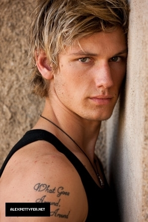 Alex Pettyfer fond d'écran possibly with a portrait entitled Alex Pettyfer