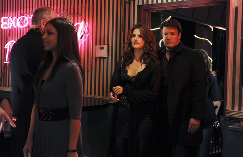 Kate Beckett 바탕화면 possibly containing a well dressed person entitled Castle_3x07_Almost Famous_Promo pics
