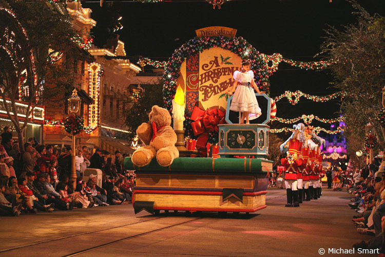 christmas images christmas parade hd wallpaper and background photos  16671105