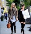Dakota Fanning in LA 31/10/10 - twilight-series photo