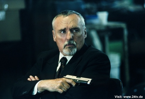 24 wallpaper probably with a business suit called Dennis Hopper as Victor Drazen