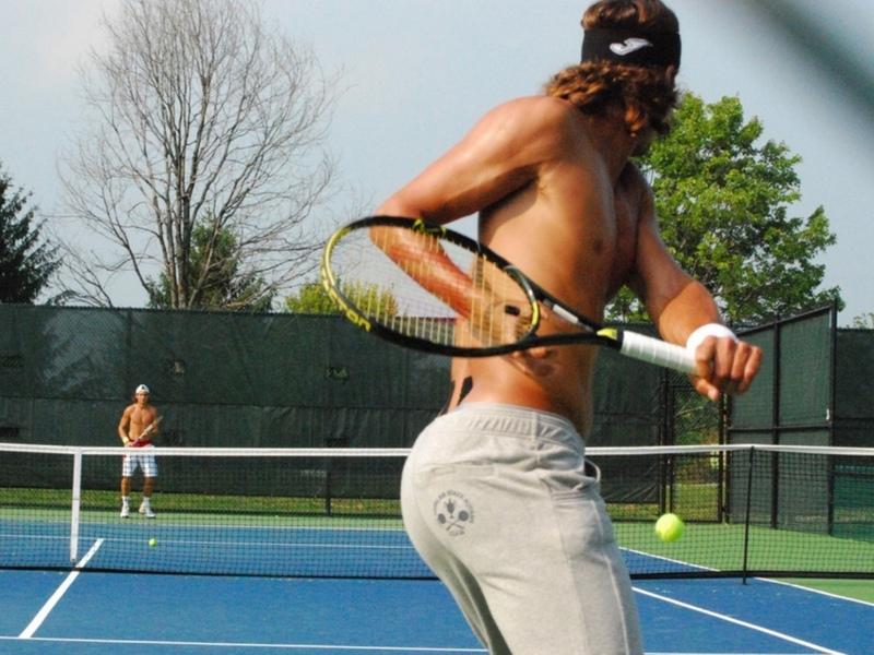 hot ass wallpaper. Feliciano Lopez hot ass !