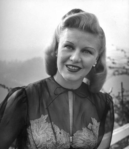 प्रतिष्ठित फिल्में वॉलपेपर entitled Ginger Rogers