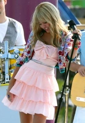 Hannah Montana: The Movie (2009) > Filming in Santa Monica [15/16th july]