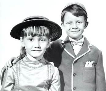 Jane and Michael Banks - mary-poppins Photo