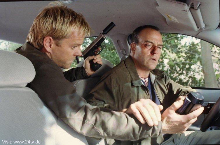 Kiefer & Richard Burgi as Jack & Kevin Carroll