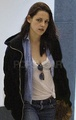 Kristen in the airport of New Orleans - twilight-series photo