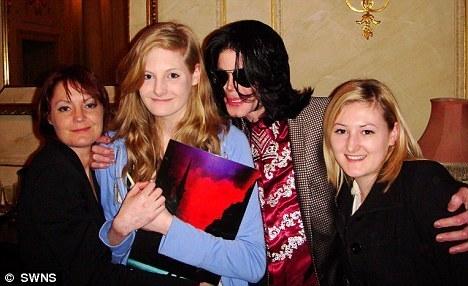 MJ Hugs *Vexi*