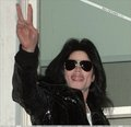 Micнα℮ℓ Jαcкѕσи ❤ says HI!!! (niks95) - michael-jackson photo