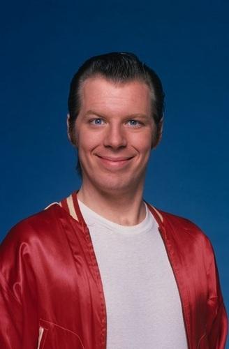 Michael McKean as Lenny