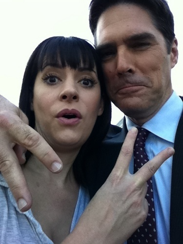 Paget and Thomas on set Season 6