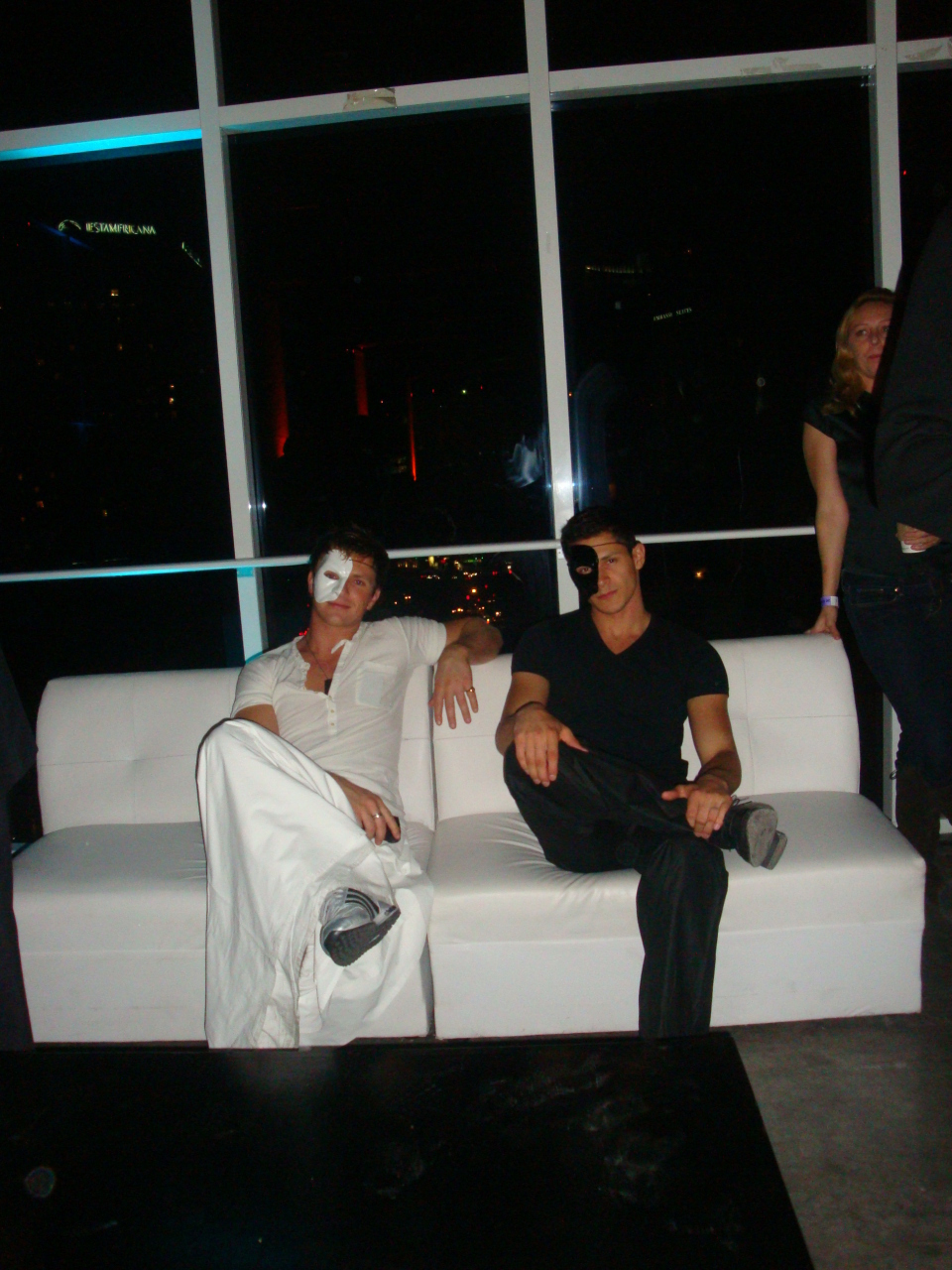 Pics of Charlie Bewley and Alex Meraz at हैलोवीन Fest 2010 in Mexico