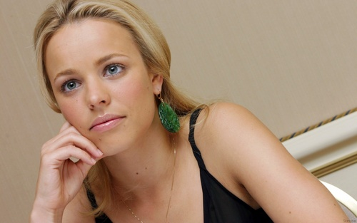 Rachel McAdams karatasi la kupamba ukuta probably with a portrait and skin called Rachel <3