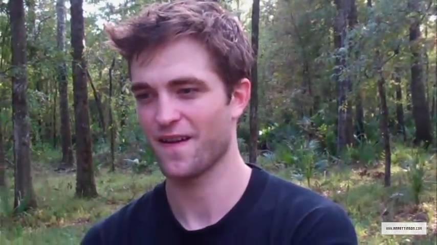 Robert Pattinson-Headmasters Hoilday