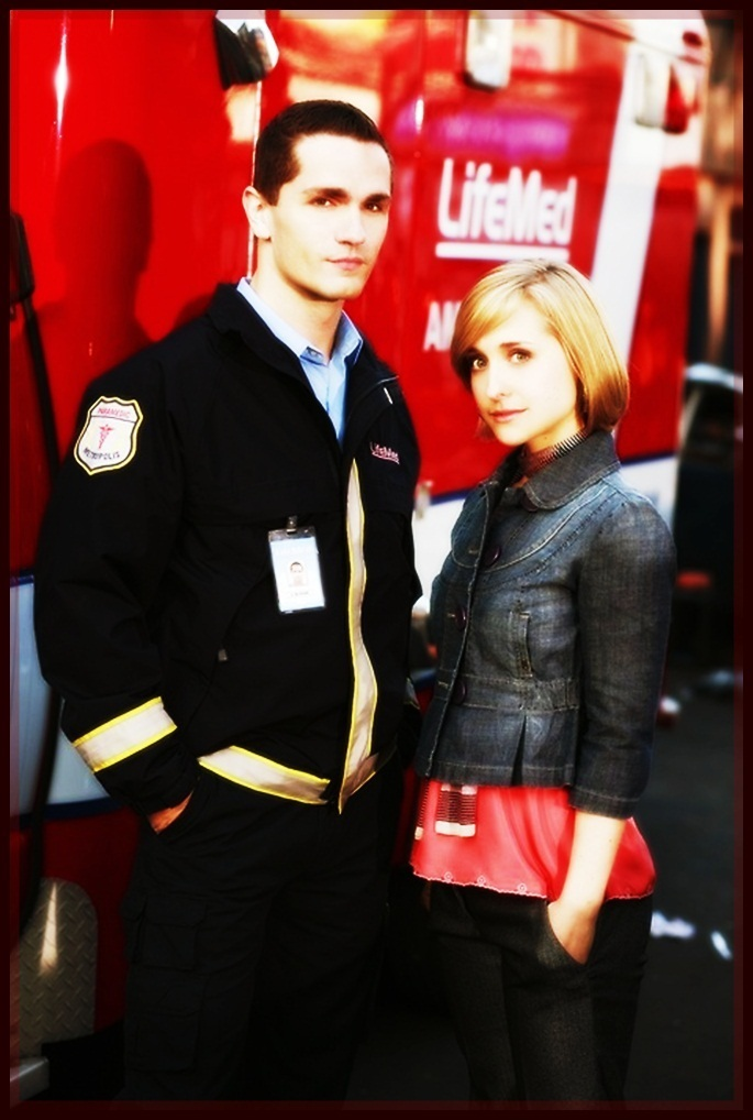 allison mack dating sam witwer New from shiliushi168 for red-jacketed, blue-shirted clark kent (tom welling) draws closer to his superman destiny in the exciting 22-episode, 6-disc season 8 (2008-9) of smallville.