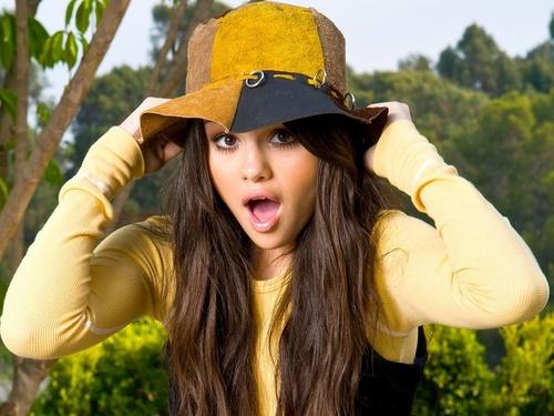 Selena Gomez wolpeyper