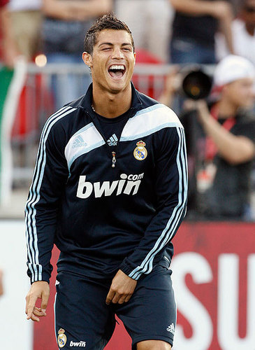 ronaldo touch crotch 2