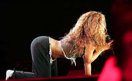 Shakira ass2