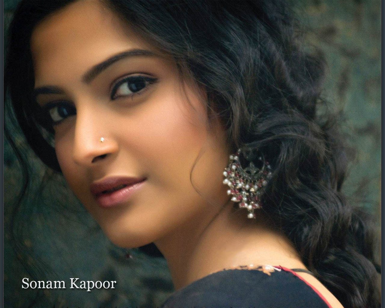 sonam kapoor images sonam hd wallpaper and background photos (16625360)