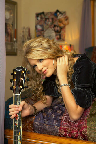 taylor swift :3 - iluvllllll Photo